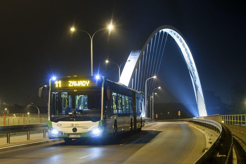 Autobus 628 na moście do Zawad